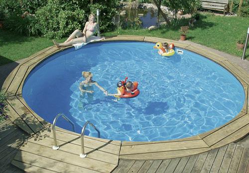 Charming Schwimmbecken Bari
