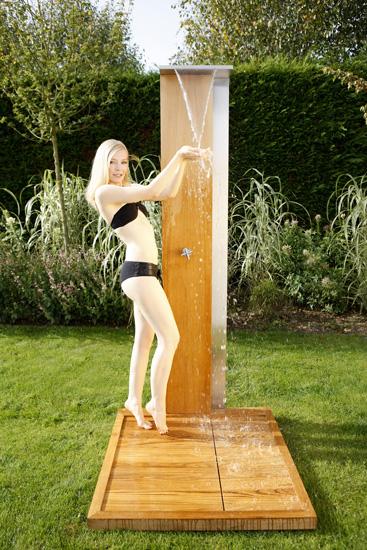 teakholz edelstahl luxus gartendusche cancun mit wasserfall. Black Bedroom Furniture Sets. Home Design Ideas