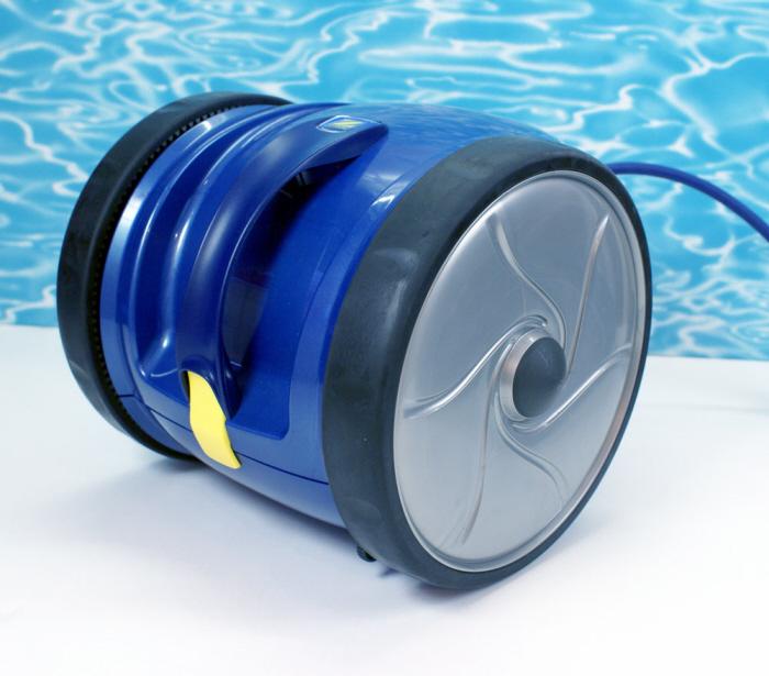saugroboter f r schwimmbecken schwimmbad und saunen. Black Bedroom Furniture Sets. Home Design Ideas